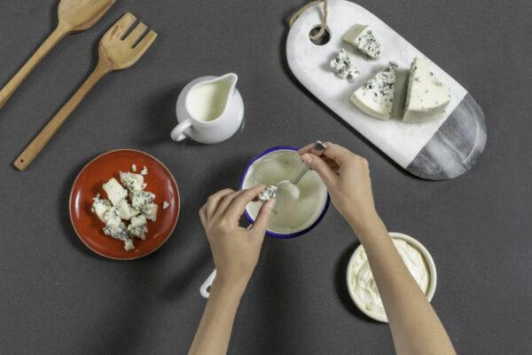 Preparar la mayonesa de Roncari Blue